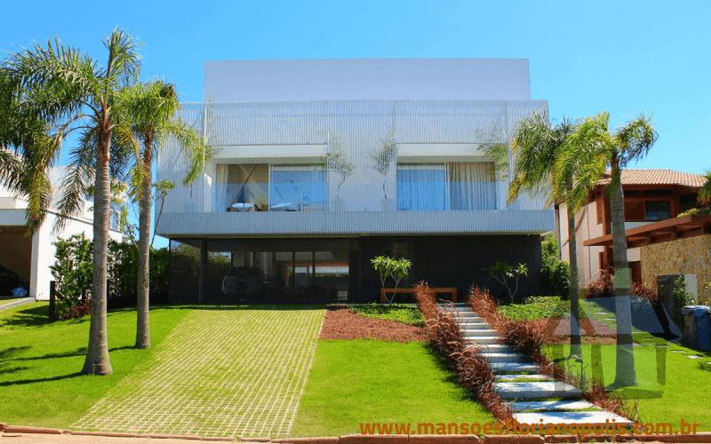 Casas de alto padrão em condomínio fechado no Campeche