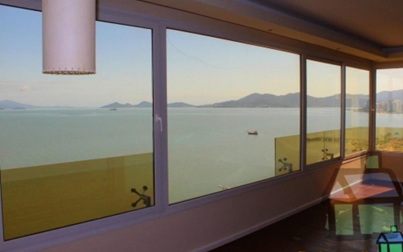 Aluguel anual de cobertura na Beira-Mar-Norte em Florianópolis, SC