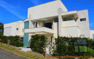 Venda de mansão em condomínio náutico em Florianópolis
