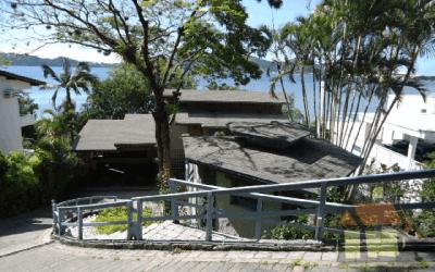 Imóveis à venda em frente a Lagoa da Conceição em Florianópolis, SC