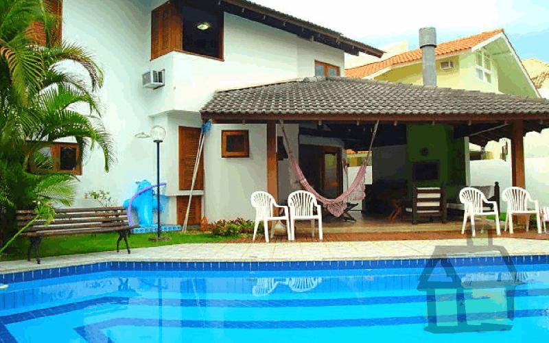 Vendo casa na Lagoa em condomínio fechado