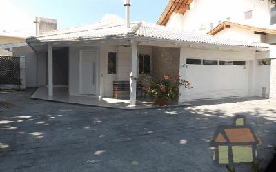 Casas de alto padrão em Jurerê para venda
