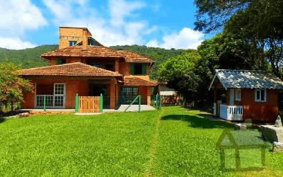 Venda de casas em frente ao mar no sul da ilha em Florianópolis SC