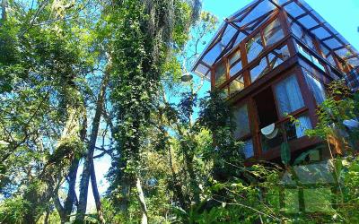 Magnífica propriedade em frente a Lagoa da Conceição, pé-na-água