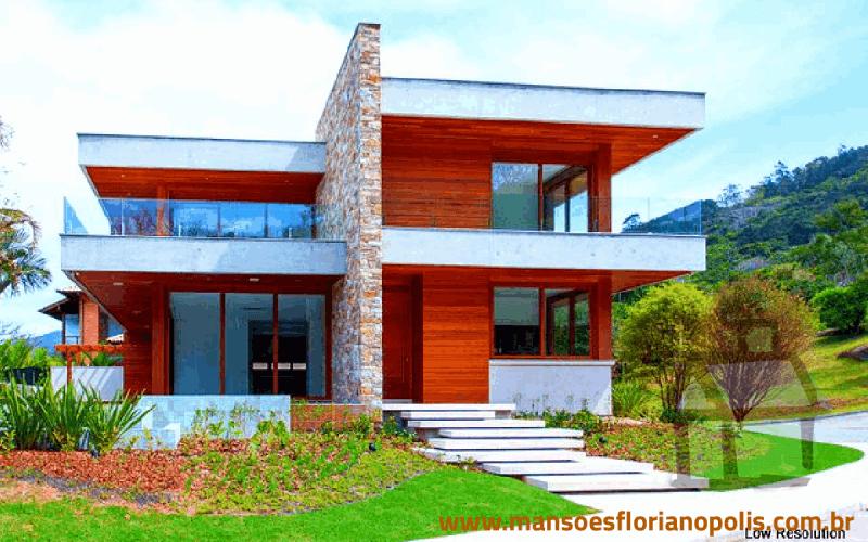 Casas de alto-padrão na Lagoa da Conceição para venda