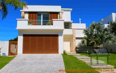 Venda de casas de alto padrão em condomínio fechado em Florianópolis