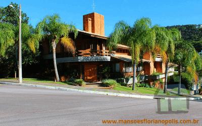Vendo linda casa em condomínio fechado em Florianópolis