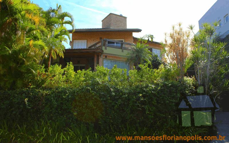 Venda de casas de alto padrão em condomínio fechado na Lagoa da Conceição