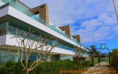 Venda de apartamento de luxo em frente ao mar em Jurerê
