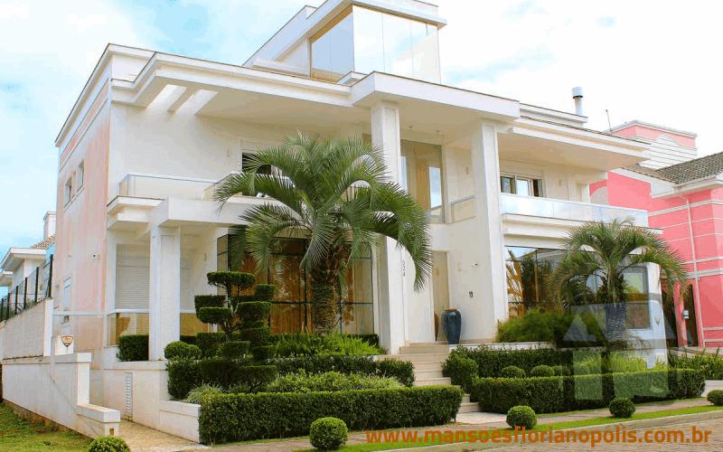 Comprar casa de alto padrão em Jurerê em Florianópolis SC
