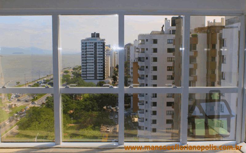 Venda de coberturas na Beira Mar Norte em Florianópolis, SC