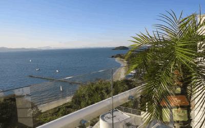 Cobertura para venda em frente ao mar em Florianópolis, SC