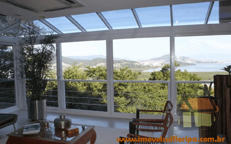 Venda de mansões no norte de Florianópolis, SC