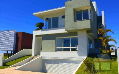 Venda de casas de alto padrão em condomínio fechado em frente ao mar em Florianópolis