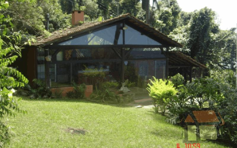 Venda de terrenos em frente a Lagoa da Conceição em Florianópolis, SC