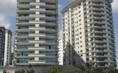 Venda de apartamentos na Avenida Beira-Mar em Florianópolis, SC