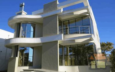 Venda de mansão com localização privilegiada em Jurerê Internacional.COD902