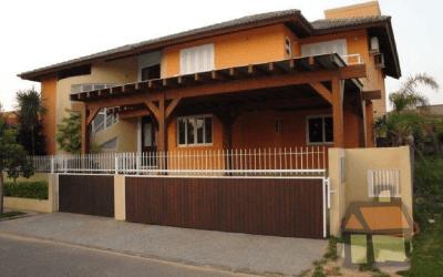 Venda de casas em condomínio fechado no Rio Tavares em Florianópolis, SC