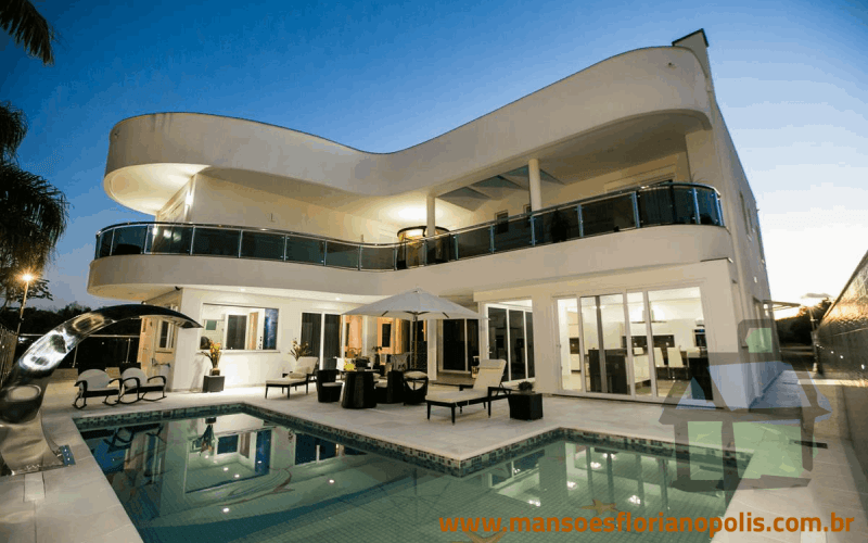Vendo magnífica residência em Jurerê Internacional
