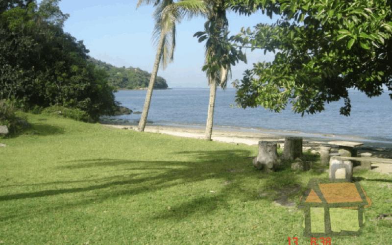 Terrenos à venda em frente ao mar na Praia de Sambaquí em Florianópolis