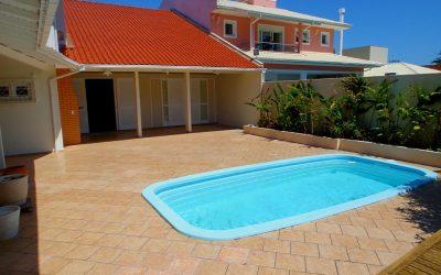 Locacao de casas de alto padrao em florianopolis com piscina