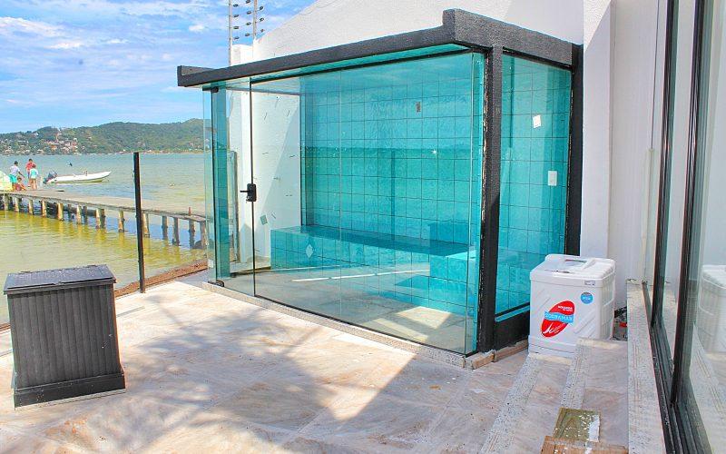Mansao frente lagoa para venda