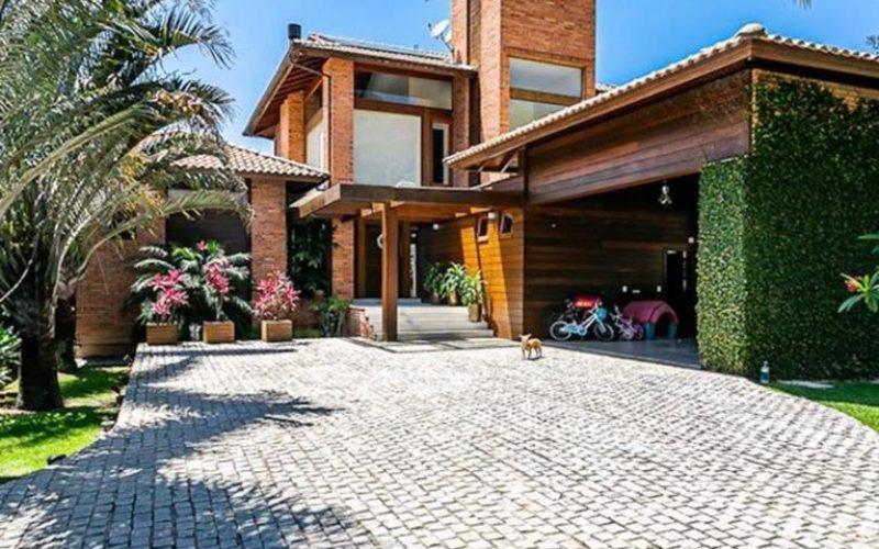 Vendo linda casa em condominio fechado em florianopolis
