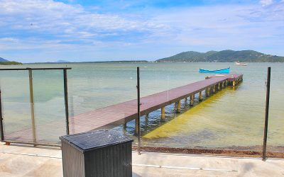 Vendo casa de luxo pe na agua na lagoa